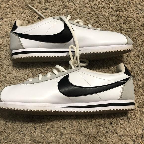 ba321d9c03b27b Kids Nike Cortez Sneakers. M 5c6041d13c98444e0089b3b5